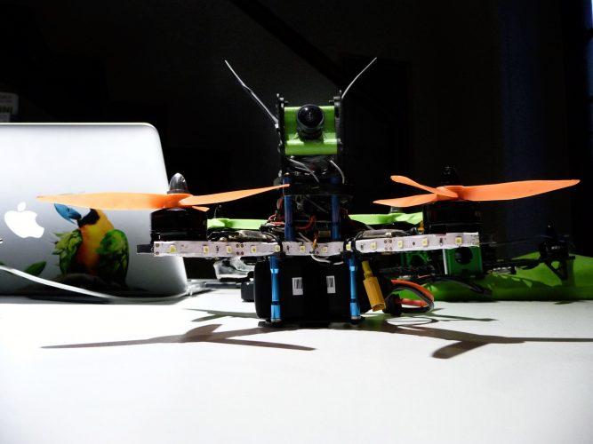 impariamo divertendoci corsi droni per bambini-fpv