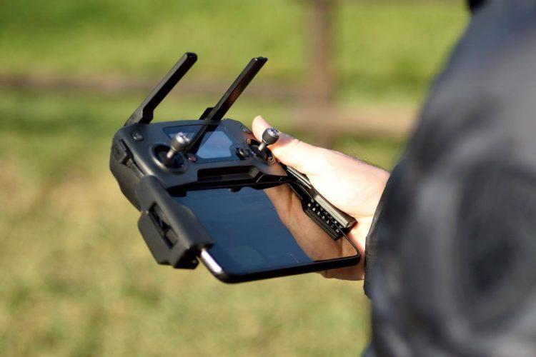 Recensione DJI Mavic Pro-camera mavic-drone 4k-marco posern-lago garlate-mavic pro dimensioni -radiocomando-hovering test