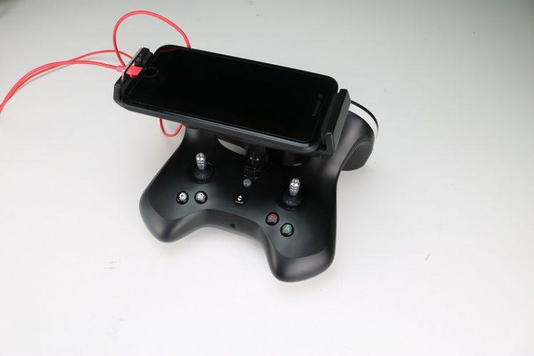 radiocomando-telefono-ipad-Recensione Parrott Bebop 2 FPV Pack-kit fpv-bebop-parrott-visore fpv-unboxing parrott 2