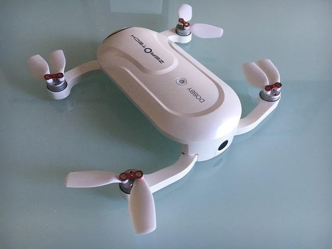 Recensione Zerotech Dobby-contenuto della confezione drone dobby-contenuto-drone enac inoffensivo