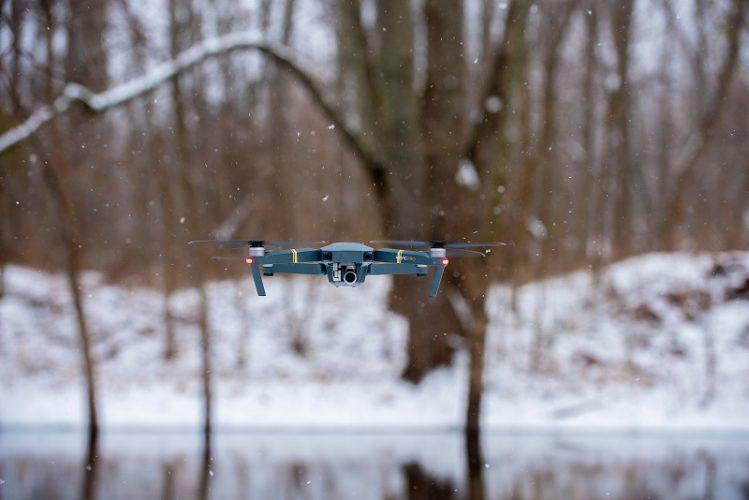 quando serve l'attestato per pilotare droni