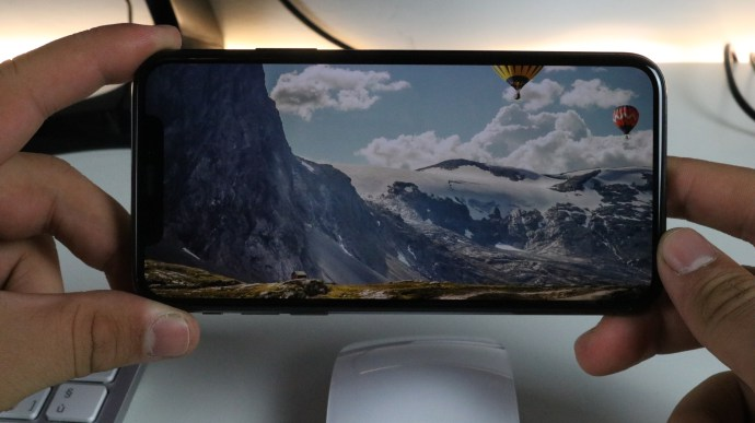 schermo Apple iPhone X recensione