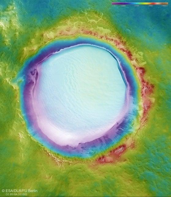 Lago su Marte: Immagini Mozzafiato del Cratere Korolev