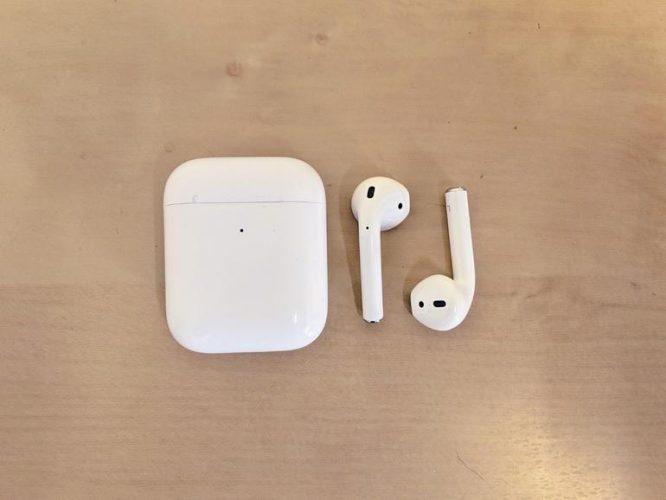 mi true wireless vs airpods -3