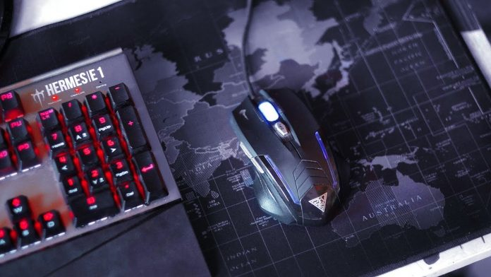 Cmhoo XXL Gaming Mouse Pad