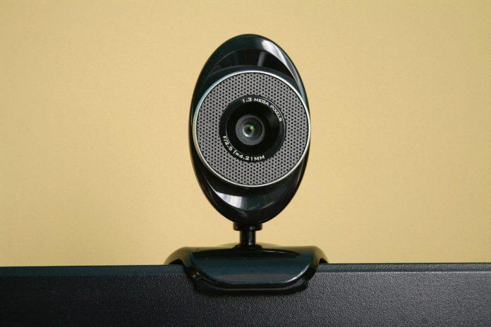 come-usare-smartphone-come-webcam-usb