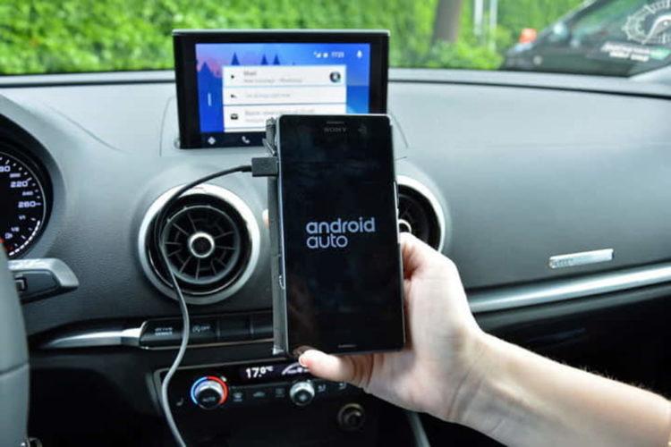 Come collegare il navigatore del telefono alla macchina -2