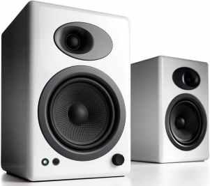 migliori altoparlanti-audioengine
